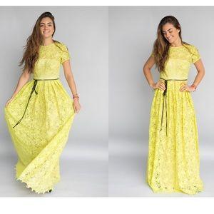 🆕 ML Monique Lhuillier floral lace gown- Size 8